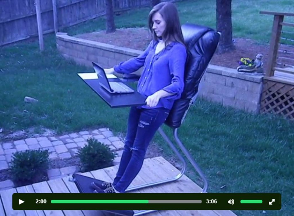 画像引用:https://www.kickstarter.com/projects/1133385494/leanchair-the-portable-reclining-standing-desk